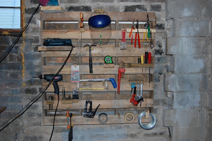 Wall Mounted Pallet Rack