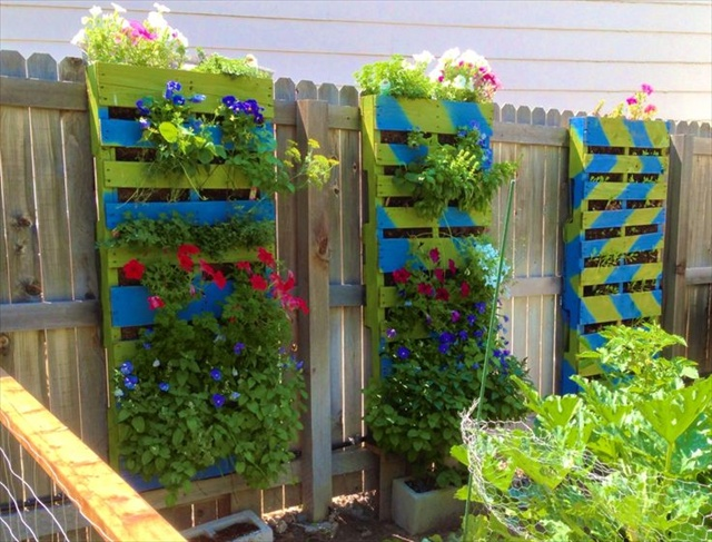 25 Inspiring Pallet Garden And Furniture Ideas The Self - Pallet-garden-ideas