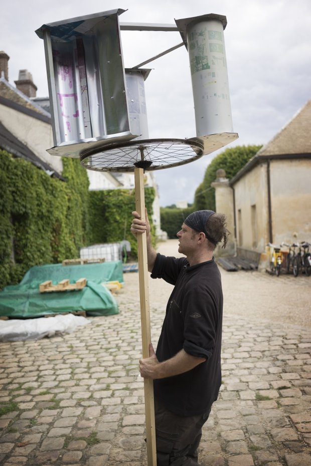 Recycle Bicycle Into DIY Wind Turbine