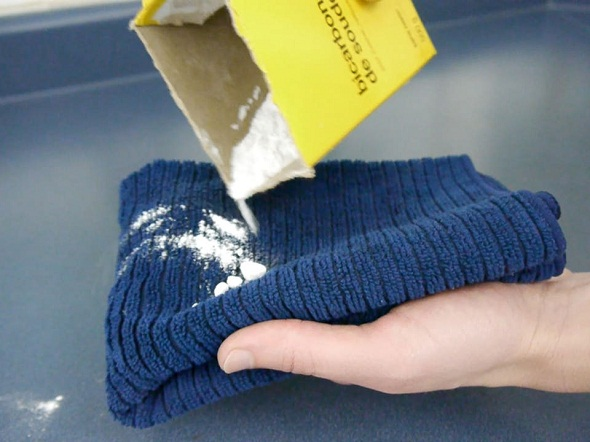 Cleaning-Up-with-Baking-Soda