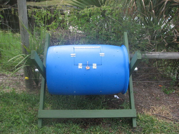 55 Gallon compost tumbler