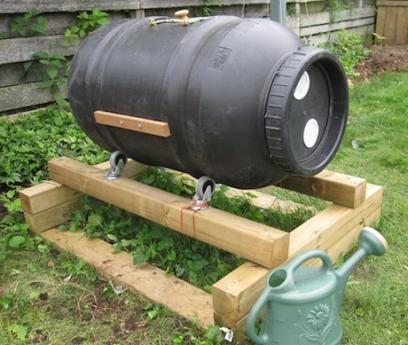Cheap and efficient compost tumbler