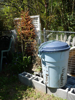 Garbage Can Compost Tumbler