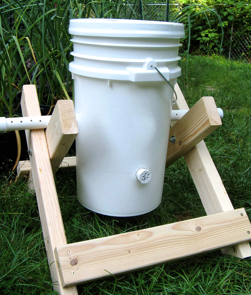 Small Kitchen Composter