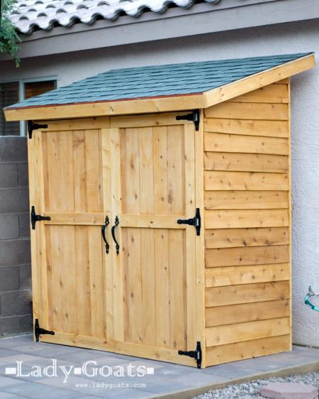 Cedar Wood Picket Fence Storage