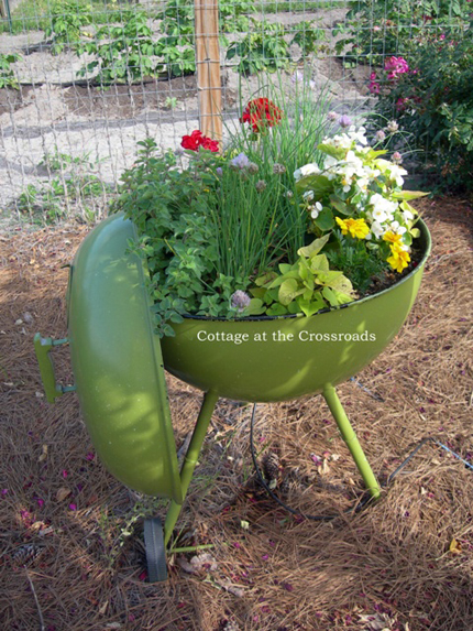 20 unique container gardening ideas for deck patio or for Garden planter ideas
