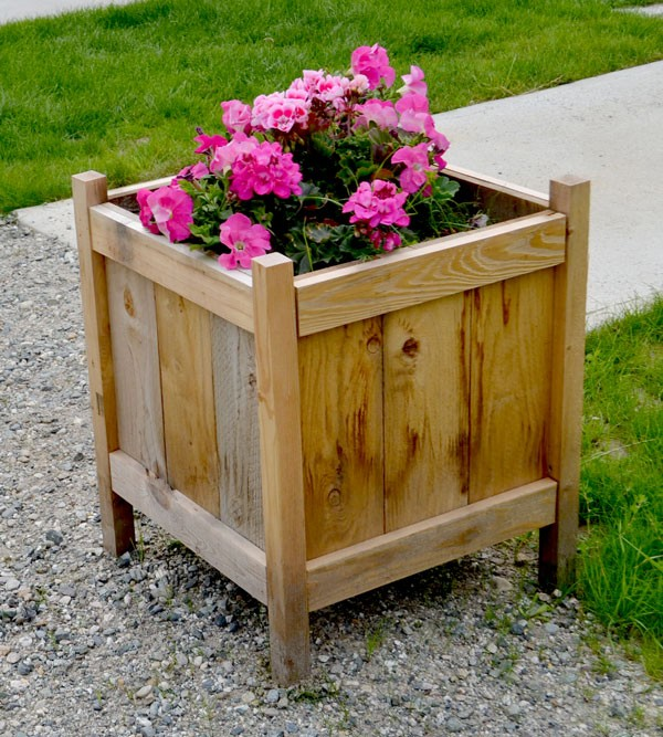 Great A Low Cost Cedar Planter