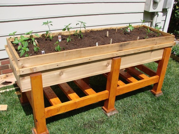 12 outstanding diy planter box plans designs and ideas for Vegetable garden table plans