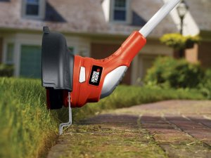 String trimmer for gardening
