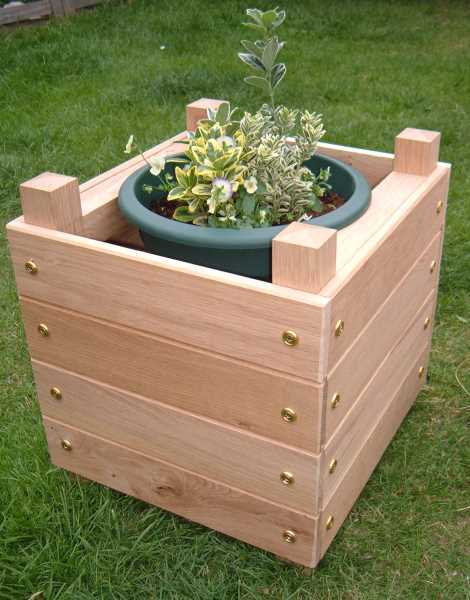 12 outstanding diy planter box plans designs and ideas for Wooden garden box designs