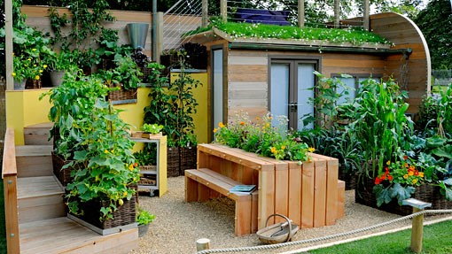 Small space gardening 20 clever ideas to grow in a for Amazing small garden designs