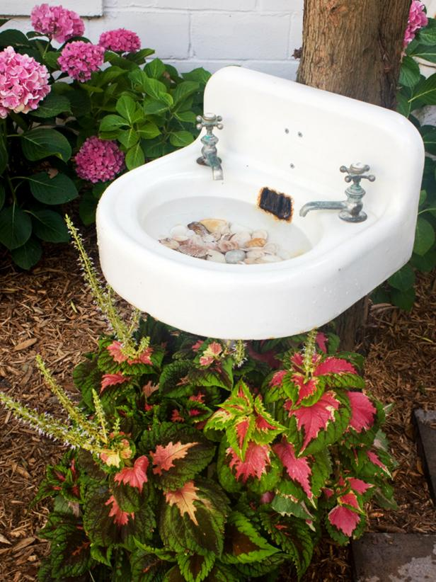 Salvaged Sink DIY Birdbath