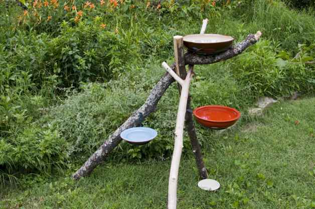 Tree type bird bath