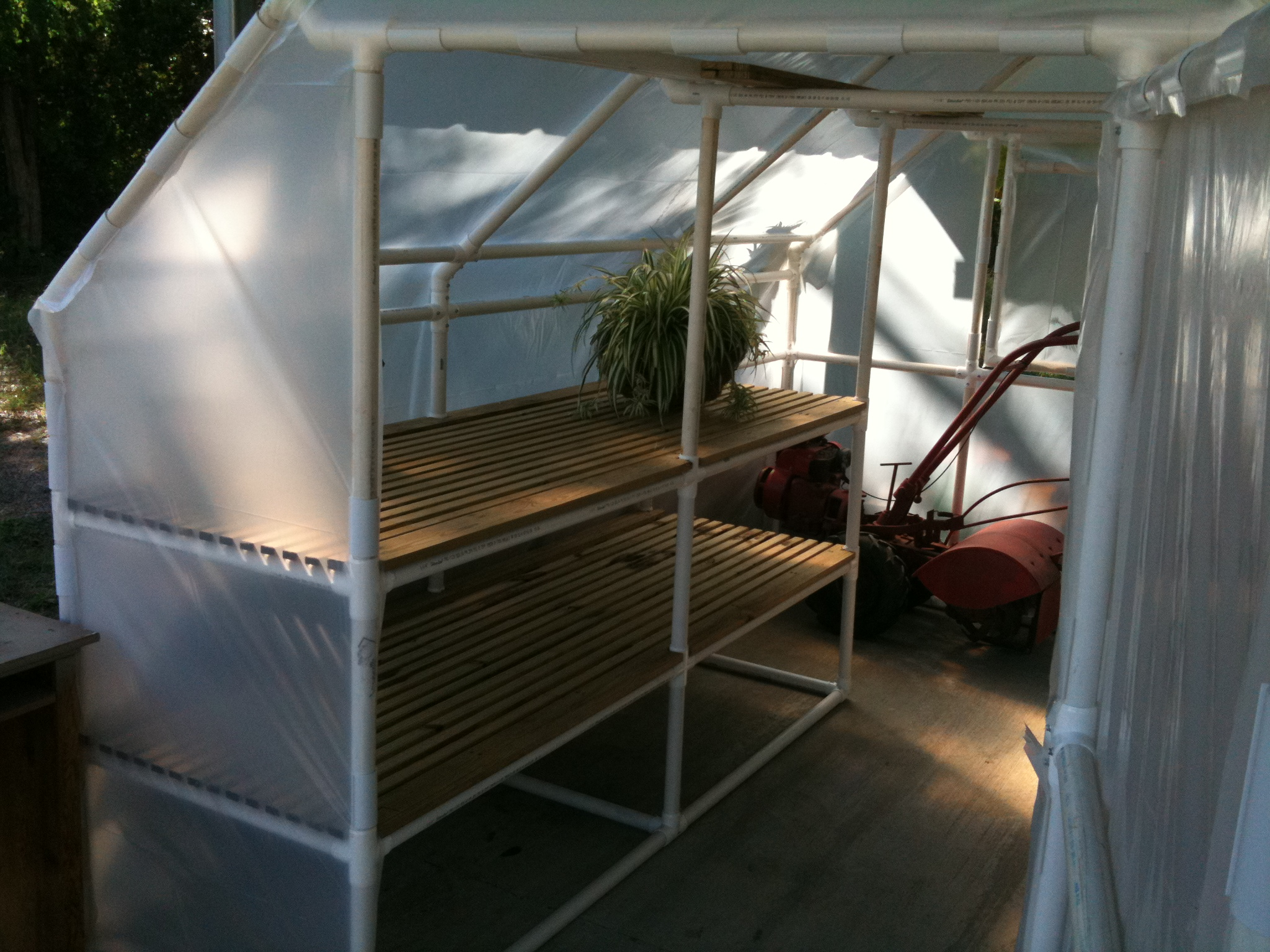 20 inspiring pvc pipe projects for gardeners the self sufficient pvc greenhouse solutioingenieria Image collections