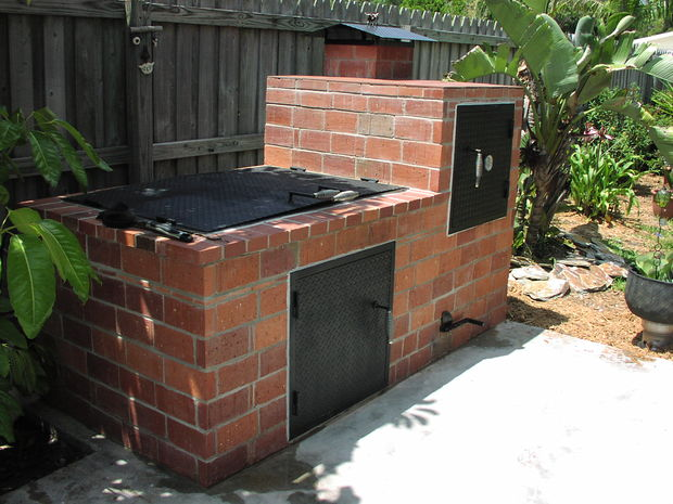 Brick Smoker and BBQ Pit