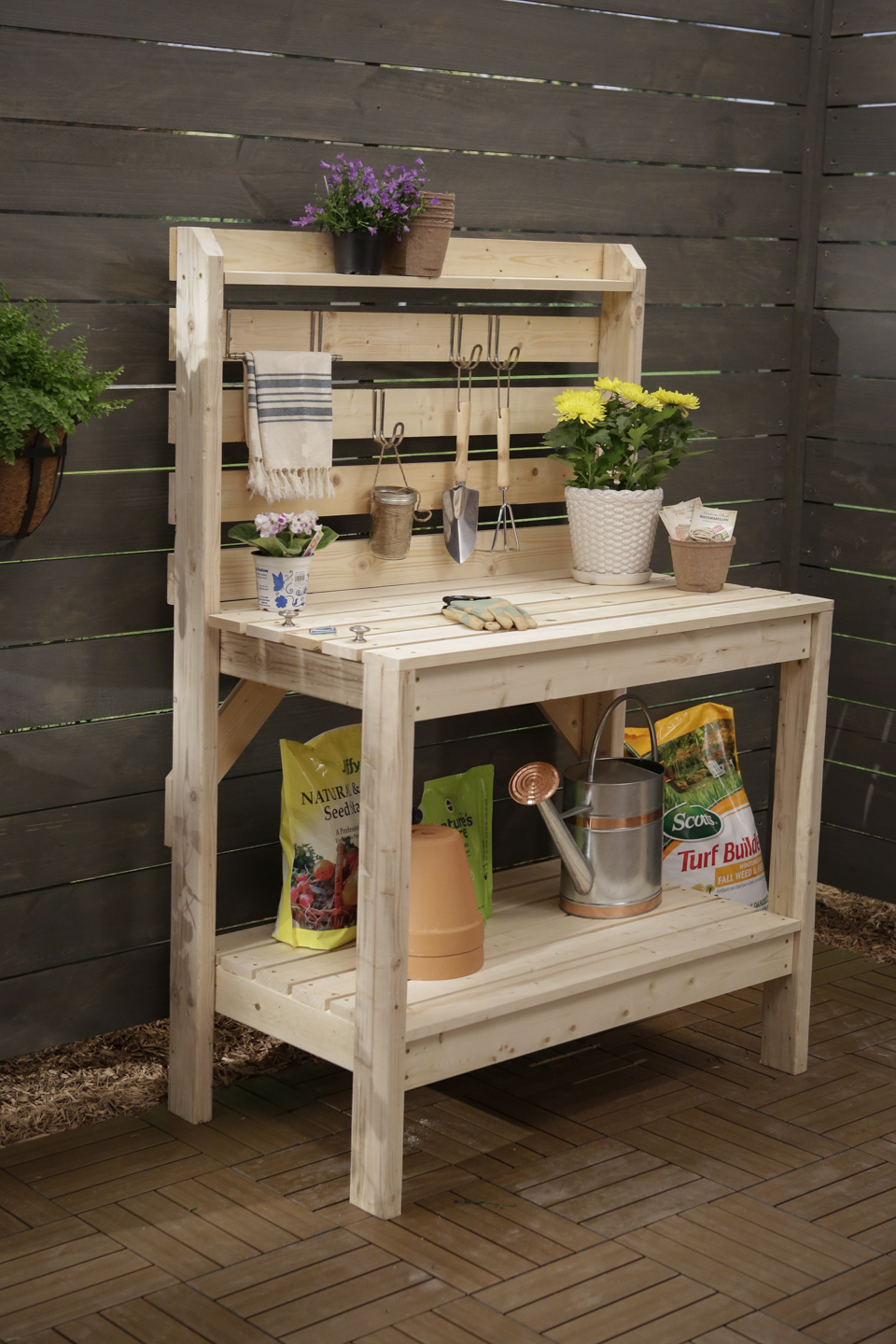 Perfect DIY Potting Bench Plan