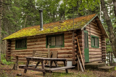 10 DIY Log Cabins Build For a Rustic Lifestyle by Hand The