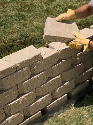 How To Build A Small Block Retaining Wall