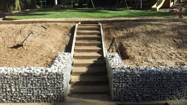 15 diy retaining walls to add value to your landscape - How to build a garden retaining wall ...