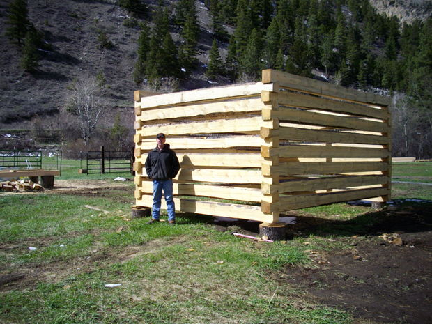 log home plans utilize dovetail notches