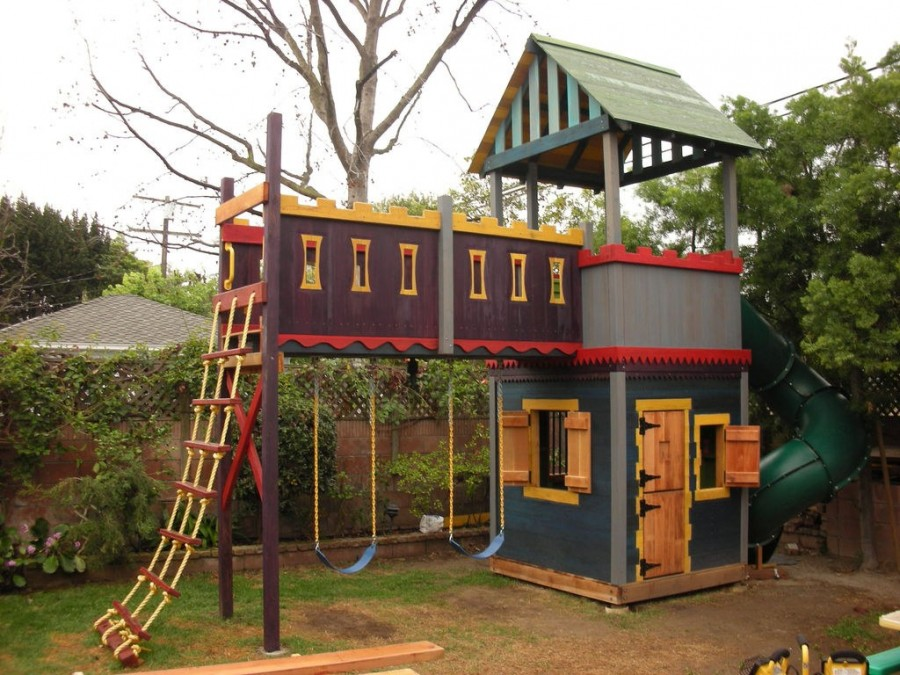 Do It Yourself Home Design: 16 DIY Playhouses Your Kids Will Love To Play In