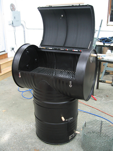 DIY-Drum-Smoker Meat Smoking And Smokehouse Design on meat fridge, meat house plans, homemade cold smoker design, meat curing and smoking, meat smoke generators, meat smokehouse plans, meat smokehouse diy, meat preservation techniques,