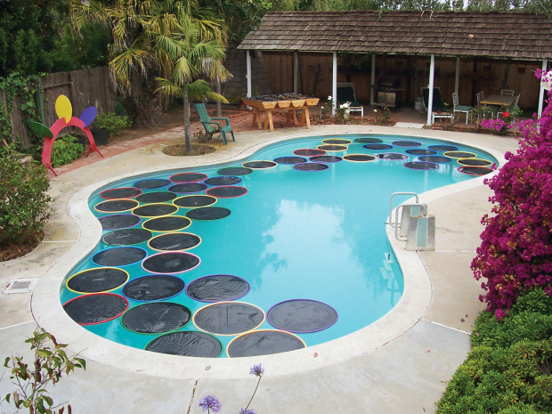 10 diy solar pool heaters an efficient way to heat your for Jacuzzi casero exterior