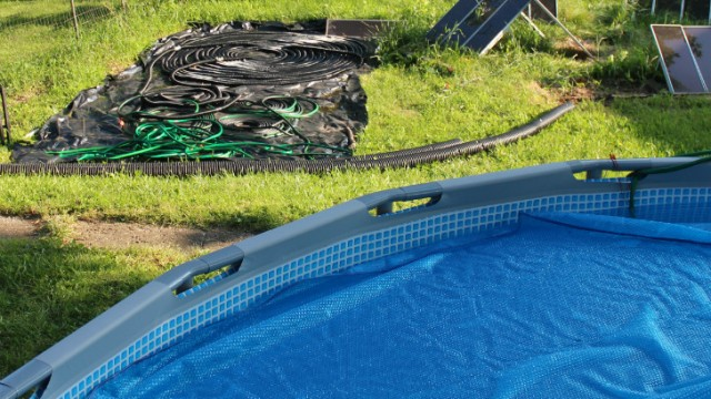 10 diy solar pool heaters an efficient way to heat your for Self sustaining pool