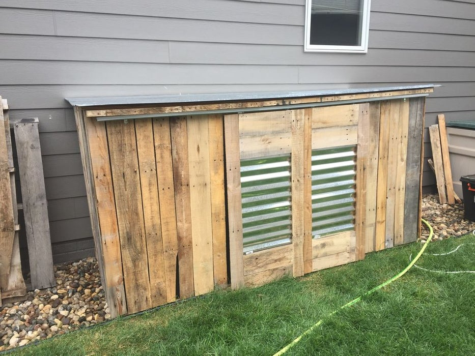 DIY Pallet Storage Shed