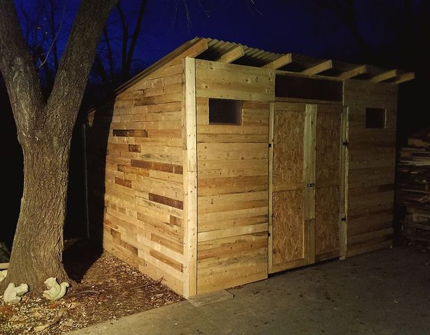 10 free plans to build a shed from recycle pallet the for Simple house design made of wood