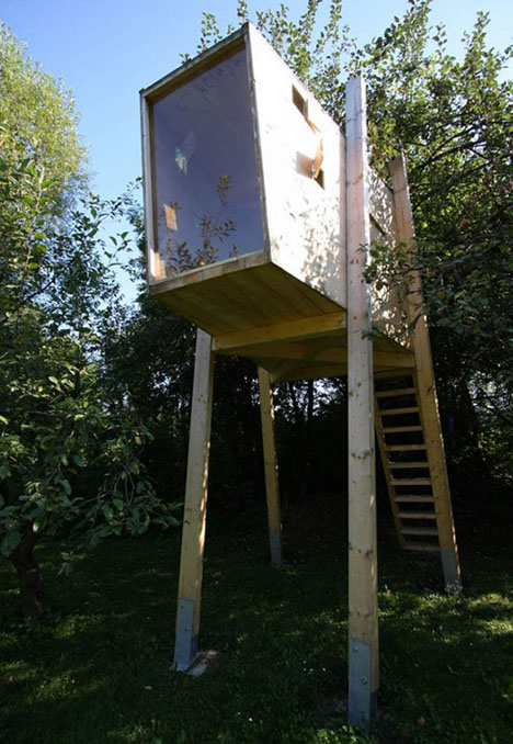 15 lovely diy treehouses make your kids dream come true for Diy tree house plans
