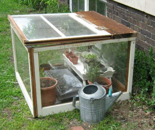 12 DIY Mini Greenhouses For Small Space Gardens - The Self ...