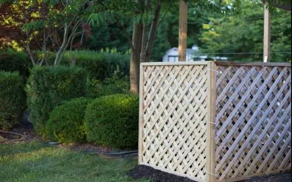 Cedar Fence DIY Privacy Screen