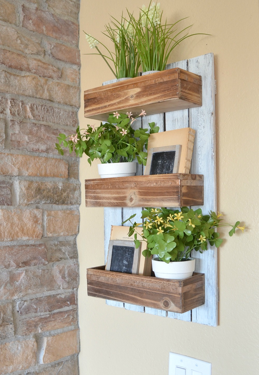 Create Wooden DIY Wall Planter