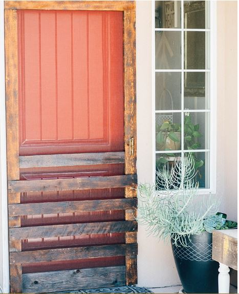 Pallet Board Screen Door