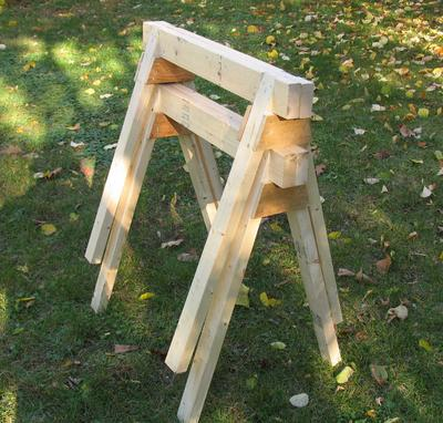 Simple Stackable Sawhorse