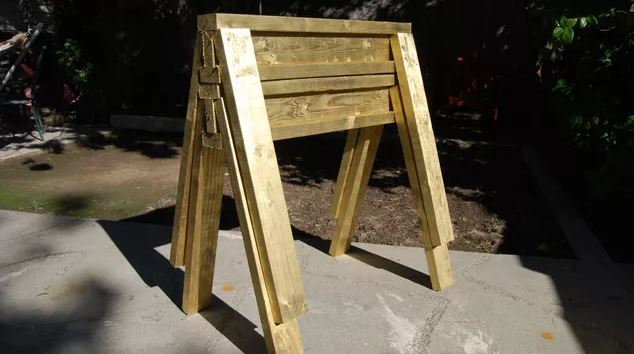Stackable Sawhorses From Scrap Lumber