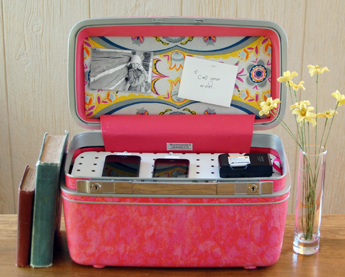 Suitcase Charging Station