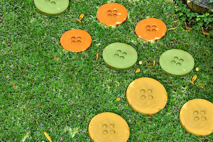 Button DIY Stepping Stones