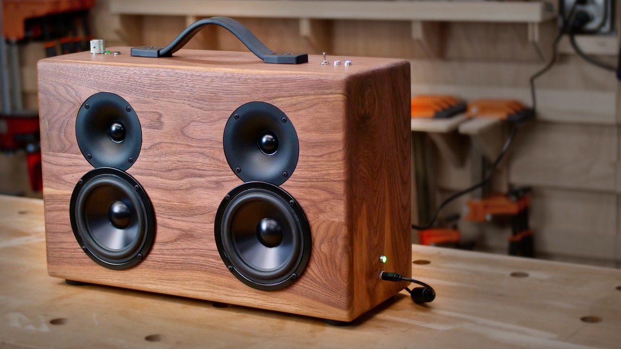 Battery-Powered Bluetooth Speaker