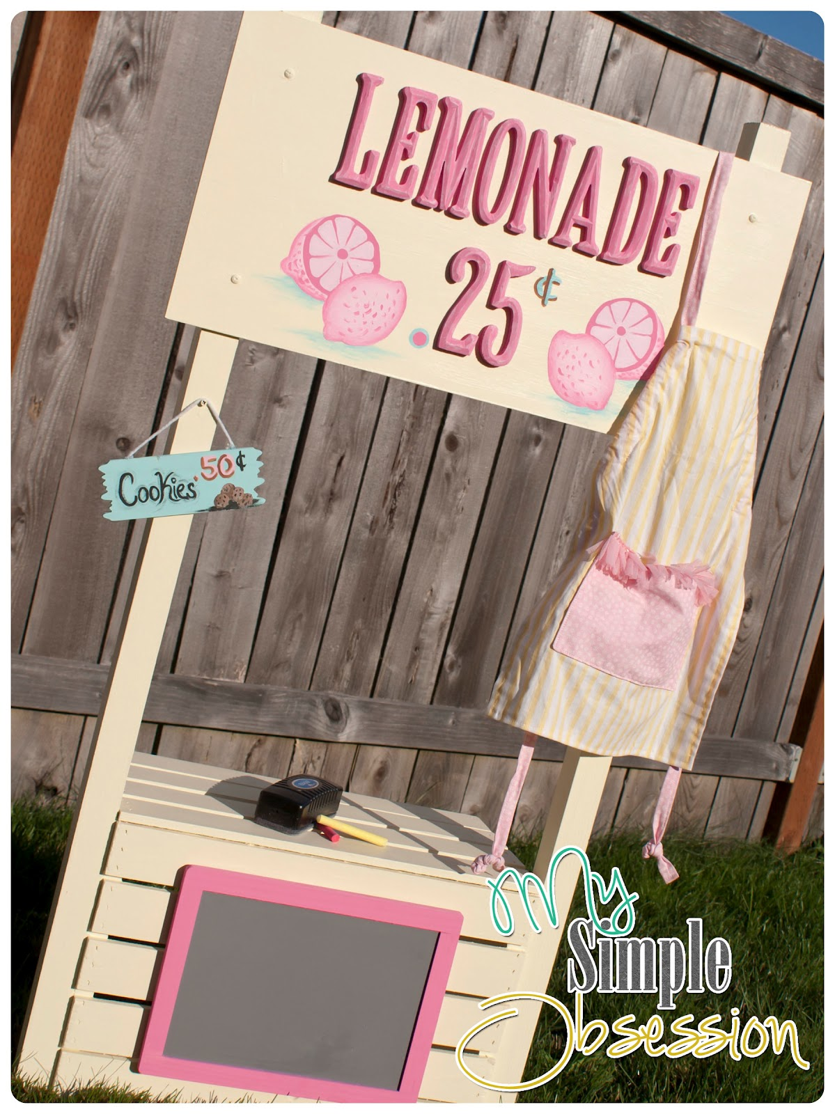 Easy-To-Build Lemonade Stand
