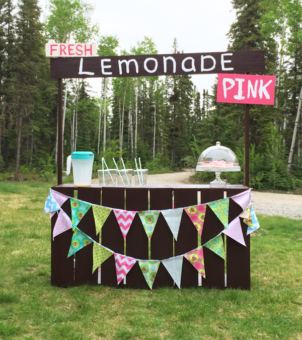 Picket Fence Lemonade Stand