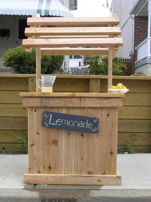 Wishing Well Lemonade Stand