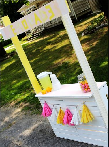 Wooden DIY Lemonade Stand