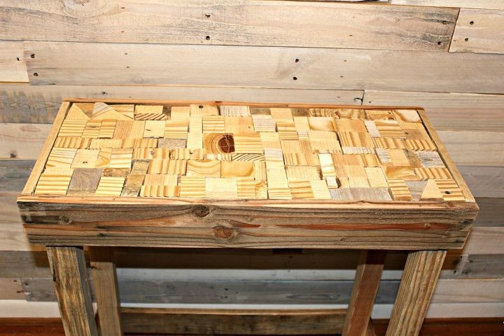 Pallet DIY Puzzle Table