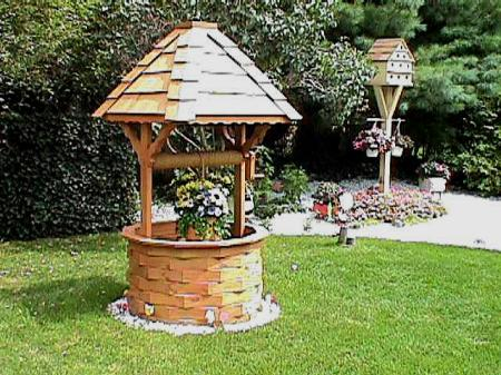 DIY Wishing Well With Planter