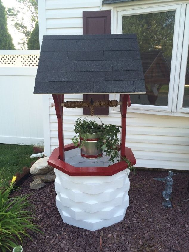 Painted DIY Wishing Well
