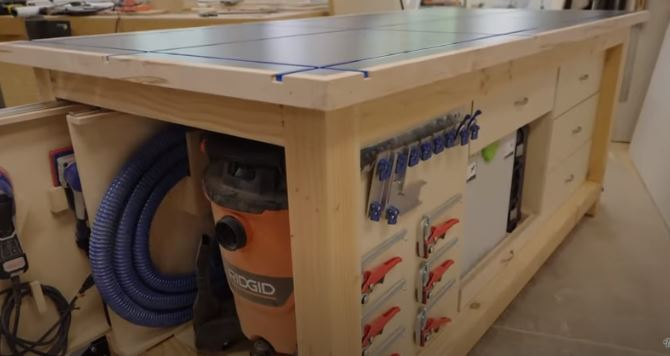 large mobile workbench