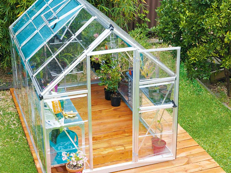 Aluminum and Polycarbonate DIY Greenhouse
