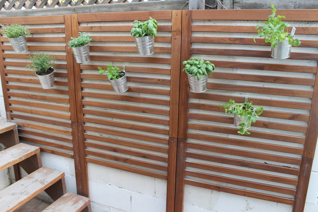Wooden Patio Privacy Screen for the Patio